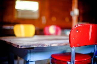 kitchen-table-349702_960_720.jpg